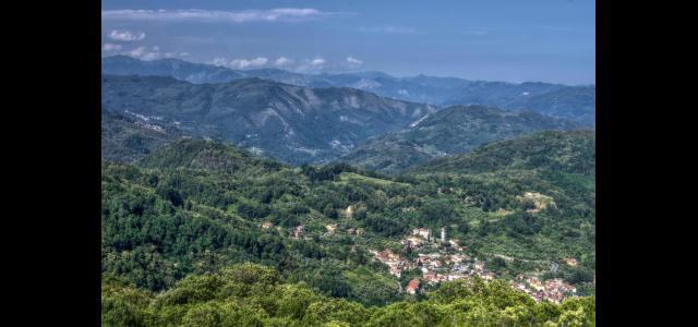 Una veduta delle colline intorno a Pescaglia