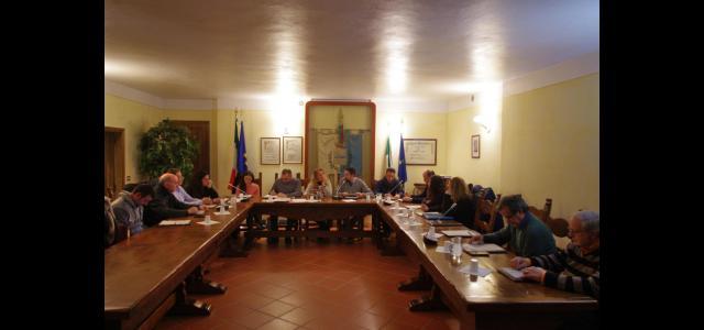 il consiglio comunale durante la seduta di approvazione del bilancio